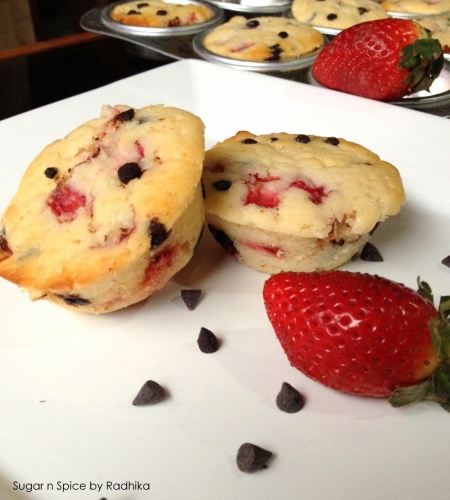 strawberry and chocolate chip muffins