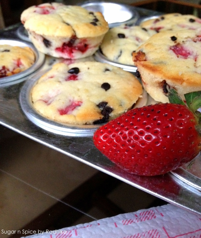 straberry and chocolate chip muffins