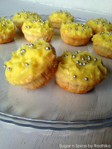 Lemon Cupcakes with Lemon Icing