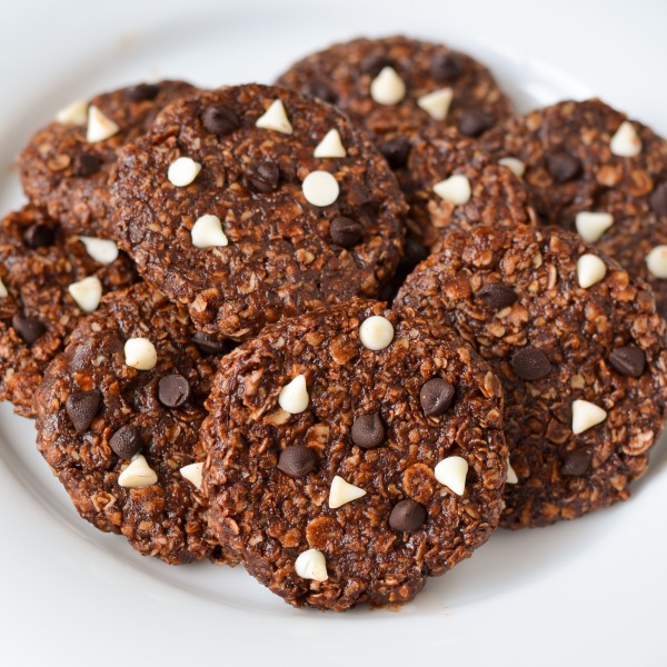 No bake Oatmeal Chocolate Cookies (eggless, sugar free and gluten free)